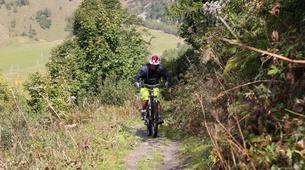 Vélo de Descente-Chamonix Mont-Blanc-Randonnée VTT à Chamonix-6