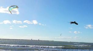 Kitesurfing-Praia do Guincho-Intermediate to advanced kitesurfing lesson on Praia do Guincho, near Lisbon-4
