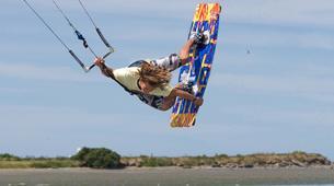 Kitesurfing-Praia do Guincho-Intermediate to advanced kitesurfing lesson on Praia do Guincho, near Lisbon-1