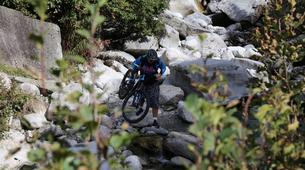 Vélo de Descente-Chamonix Mont-Blanc-Randonnée VTT à Chamonix-4