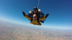 Skydiving-Madrid-Tandem skydive from 4000 metres near Madrid-17