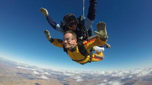 Skydiving-Madrid-Tandem skydive from 4000 meters near Madrid-13