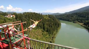 Saut à l'élastique-Klagenfurt-Bungy jumping from the Jauntal bridge (96 m.) in Austria-2