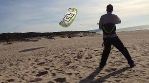 Kitesurf-Praia do Guincho-Beginner kitesurfing courses on Praia do Guincho, near Lisbon-2