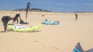 Kitesurf-Praia do Guincho-Beginner kitesurfing lessons on Praia do Guincho, near Lisbon-4