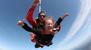 Parachutisme-Narbonne-Saut en parachute tandem à Lézignan-Corbières, près de Narbonne-2