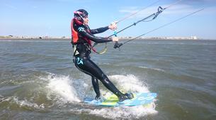 Kitesurfing-Narbonne-Kitesurfing lessons in Gruissan-1
