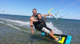 Kitesurfing-Narbonne-Kitesurfing lessons in Gruissan-5