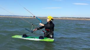 Kitesurfing-Narbonne-Kitesurfing lessons in Gruissan-3
