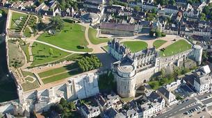 Helicoptère-Tours-Vol en Hélicoptère au-dessus des Châteaux de la Loire-1