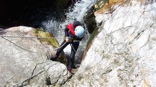 Canyoning-Ardèche-Canyon aventure dans les gorges de la Bourges, Ardèche-4