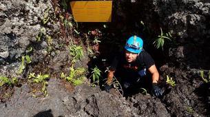 Spéléologie-Volcan Piton de la Fournaise-Spéléologie dans le Tunnel de Lave de 2004 à la Réunion-2