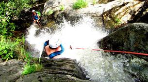 Canyoning-Prades-Canyoning hivernal en eau chaude dans les Pyrénées Catalanes-2