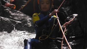 Canyoning-Prades-Canyoning hivernal en eau chaude dans les Pyrénées Catalanes-6
