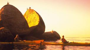 Sea Kayaking-Abel Tasman National Park-Half Day Sea kayaking excursion to 'Split Apple' from Kaiteriteri-5