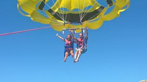 Parachute ascensionnel-Benidorm-Parasailing flights over the coast of Benidorm-2