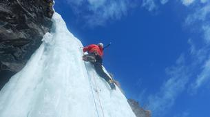 Ice Climbing-Aosta Valley-Ice climbing in Cogne, Aosta Valley-1