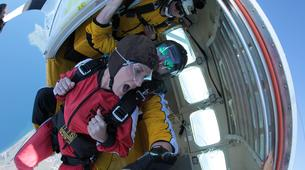 Skydiving-Taupo-Tandem Skydive in Taupo, New Zealand-6