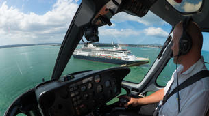 Helicopter tours-Auckland-Scenic Helicopter Flight with Waiheke Drop-Off-2