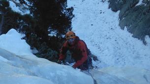 Ice Climbing-Nuria-Ice climbing initiation in Setcases near Nuria-4