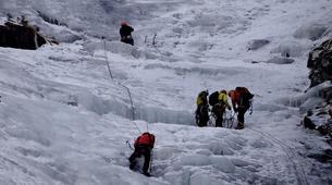 Ice Climbing-Großglockner-Intermediate ice climbing course in Tauer near Lienz-1