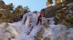 Ice Climbing-Nuria-Ice climbing initiation in Setcases near Nuria-3