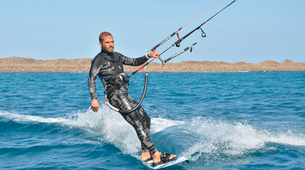 Kitesurfing-Corralejo, Fuerteventura-Private and semi private beginners kitesurfing course in Corralejo-4