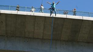 Saut à l'élastique-Melgaço-Double rope swinging from the Arbo Bridge in Melgaço-2