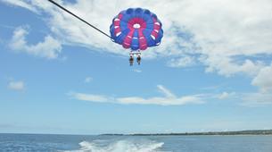 Parasailing-Kuta Selatan-Parasailing on Pantai Samuh beach in Nusa Dua, Bali-3