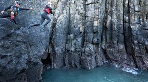 Coasteering-Pembrokeshire-Coasteering excursion in Pembrokeshire-2