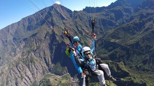 Paragliding-Cirque de Cilaos-Hike and fly paragliding over the Piton des Neiges, Réunion-3
