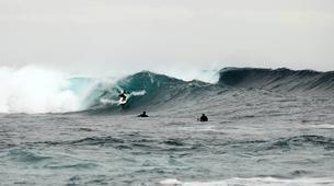 Surfing-Caleta de Fuste, Fuerteventura-Beginner's Surfing Courses in Caleta de Fuste-3