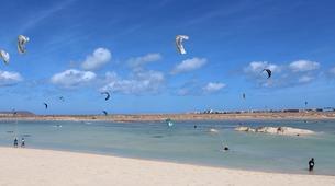 Kitesurf-Sal-Kitesurfing lessons near Santa Maria, Cape Verde-6