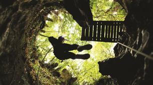 Rafting-Waitomo-'Black Labyrinth' Black Water Rafting in the Waitomo Caves-4
