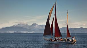 Sailing-Taupo-Cruise to Mine Bay on Lake Taupo-5