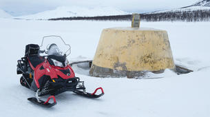 Motoneige-Tromsø-Full Day Snowmobile Adventure to the 3-country Border-4