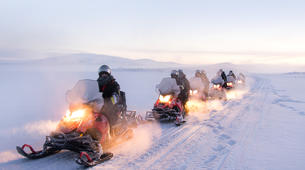 Motoneige-Tromsø-Full Day Snowmobile Adventure to the 3-country Border-1
