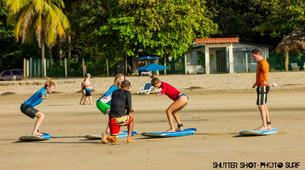 Surfing-Tamarindo-Group surfing lessons in Tamarindo-2