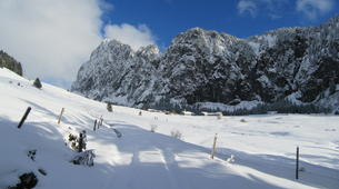 Snowshoeing-Morzine, Portes du Soleil-Snowshoeing and igloo building in Morzine, Portes du Soleil-4