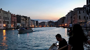 Kayaking-Venice-Evening Traditional Rowing Lesson in the Grand Canal, Venice-4