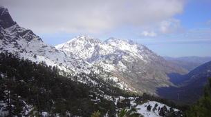 Raquetas de nieve-Morosaglia-Guided Snowshoe Hike in the Asco Valley, Corsica-3