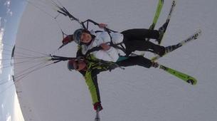 Paragliding-Alpe d'Huez Grand Domaine-Tandem paragliding flight in Alpe d'Huez-10