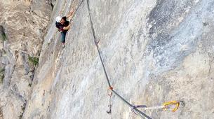 Escalade-Lac de Garde-Private Group Rock Climbing Excursion near Lake Garda-5