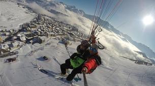Paragliding-Alpe d'Huez Grand Domaine-Tandem paragliding flight in Alpe d'Huez-2