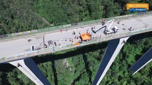Saut à l'élastique-Milan-Bungee jumping from The Colossus bridge (152m) in Veglio Mosso, near Biella-1