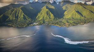 Surf-Tahiti-Observation en bateau de la vague de Teahupoo à Tahiti-4