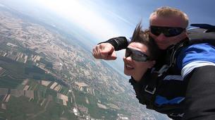Fallschirmspringen-Maribor-Tandem skydiving in Maribor, Slovenia-2