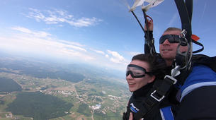 Fallschirmspringen-Maribor-Tandem skydiving in Maribor, Slovenia-3
