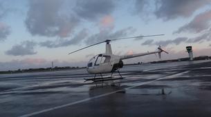 Helicopter tours-Paris-Baptême de l'air en hélicoptère à Toussus le Noble, Île de France-2