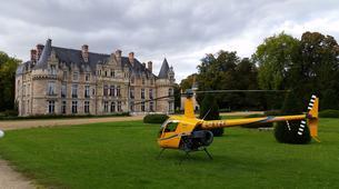 Helicopter tours-Paris-Baptême de l'air en hélicoptère à Toussus le Noble, Île de France-1